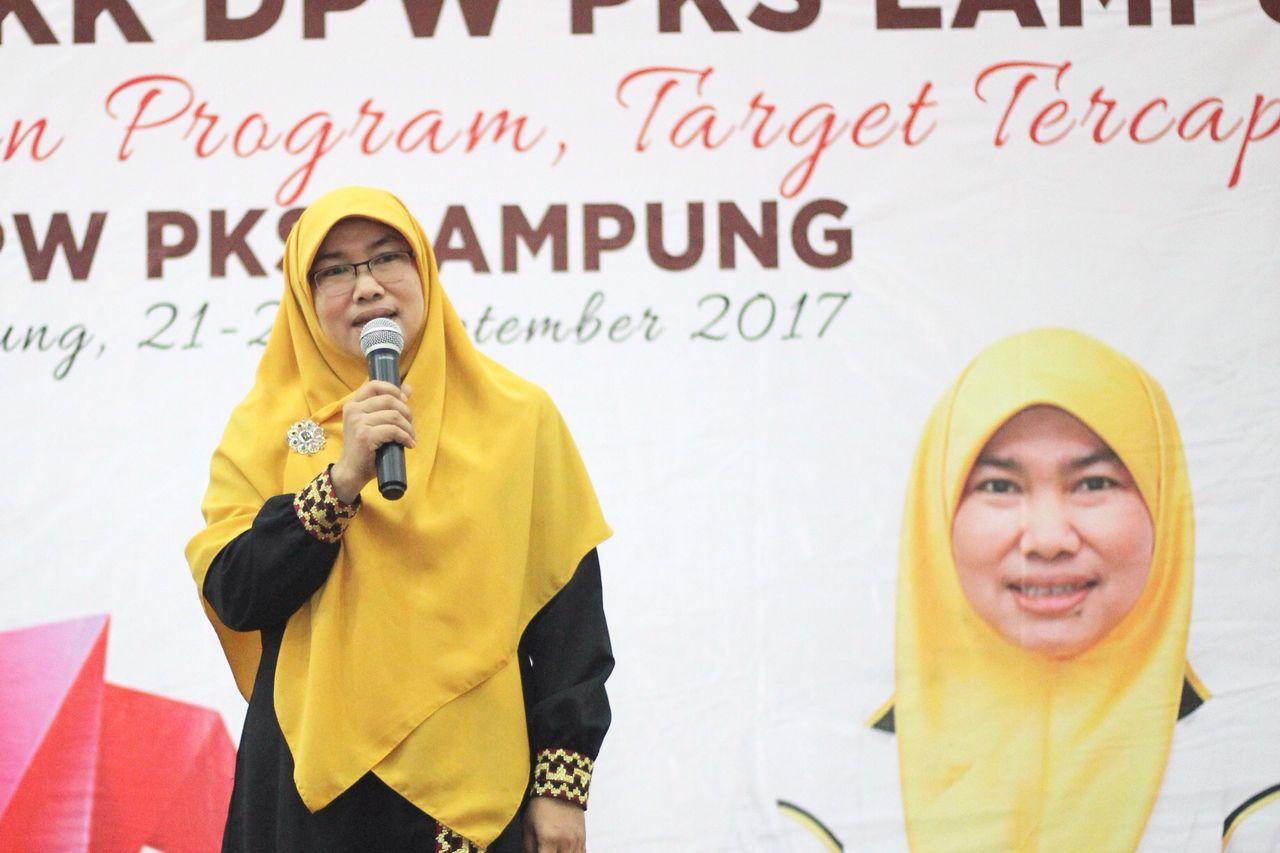 LAMPUNG POST | PKS Dorong Perempuan Terlibat di Politik