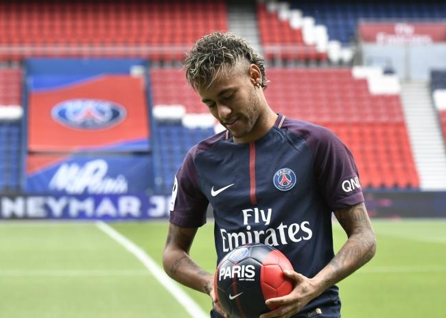 LAMPUNG POST | Dokumen Belum Rampung, Debut Neymar Bersama PSG Tertunda