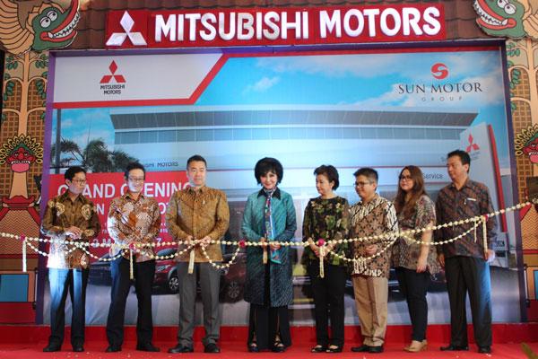 LAMPUNG POST | Mitsubishi Resmikan Diler Baru di Sukoharjo