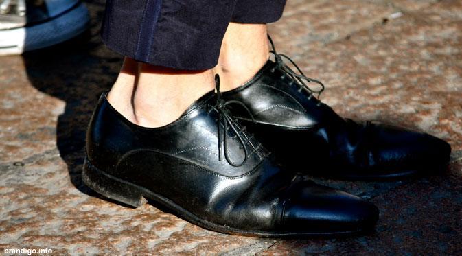 LAMPUNG POST | Sepatu tanpa Kaus Kaki