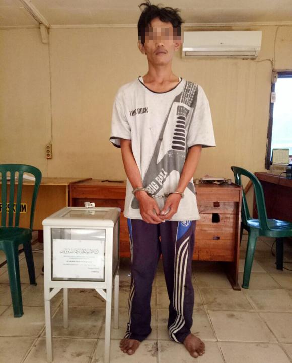 LAMPUNG POST | Pura-pura Beli Rokok, Pria Ini Bawa Kabur Uang Kotak Amal