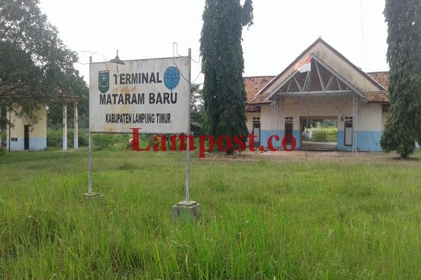LAMPUNG POST | Tampang Kusut Terminal Matarambaru