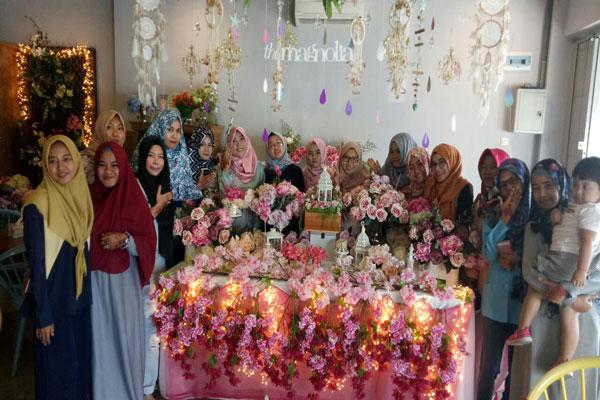 LAMPUNG POST |  Komunitas Henna Wadah Berbagi Ilmu