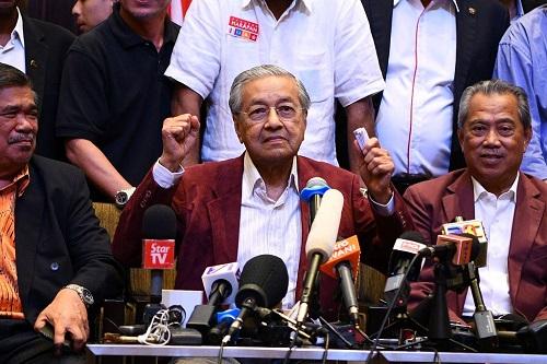 Mahatir Menangi Pemilu Malaysia