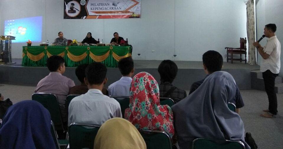 Mahasiswa UIN Dilatih Jadi Advokat