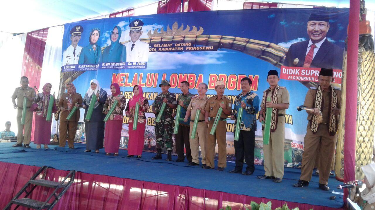 LAMPUNG POST | Penilaian Bulan Bhakti Gotong Royong di Pringsewu Dimulai