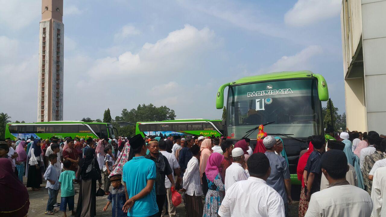 LAMPUNG POST | Jamaah Calon Haji Kloter 21 Lampung Timur Bertolak ke Tanah Suci