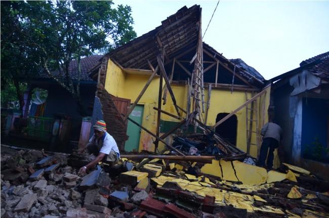 LAMPUNG POST | Gempa di Tasikmalaya Berskala Menengah