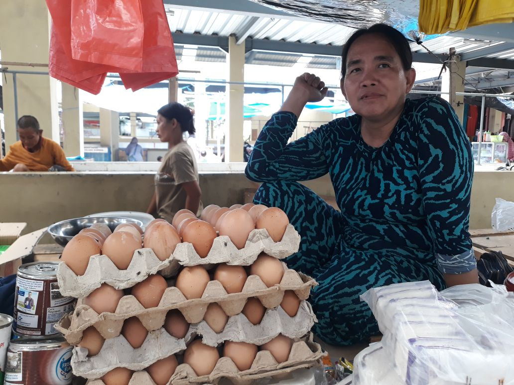 Sejumlah Harga Bahan Pokok di Pasar Tulangbawang Merangkak Naik