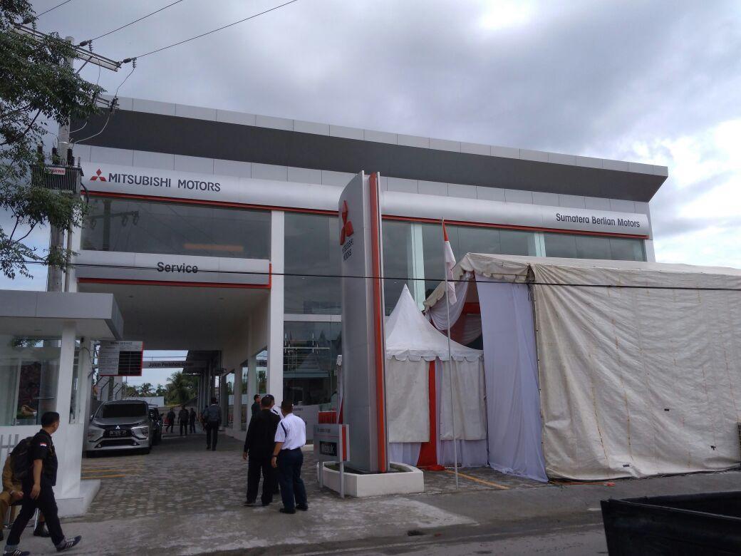 LAMPUNG POST | Mitsubishi Resmikan Diler Kelima di Sumatera Utara