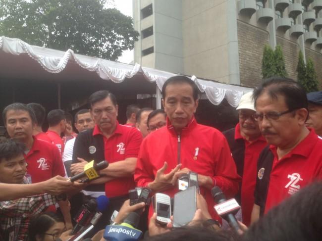 LAMPUNG POST | Jokowi Desak Menteri BPN Segera Terbitkan Sertifikat Tanah