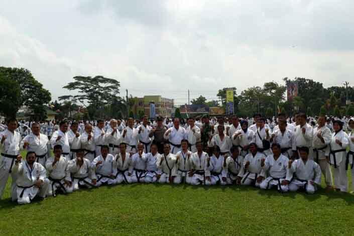Seribu Lebih Karateka Ikuti Ujian KKI Lampung
