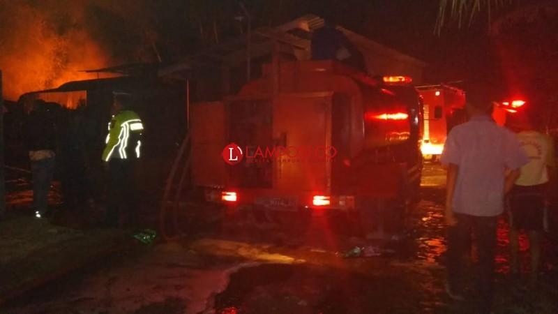 Ledakan Terdengar, 7 Damkar Diturunkan Guna Padamkan Api