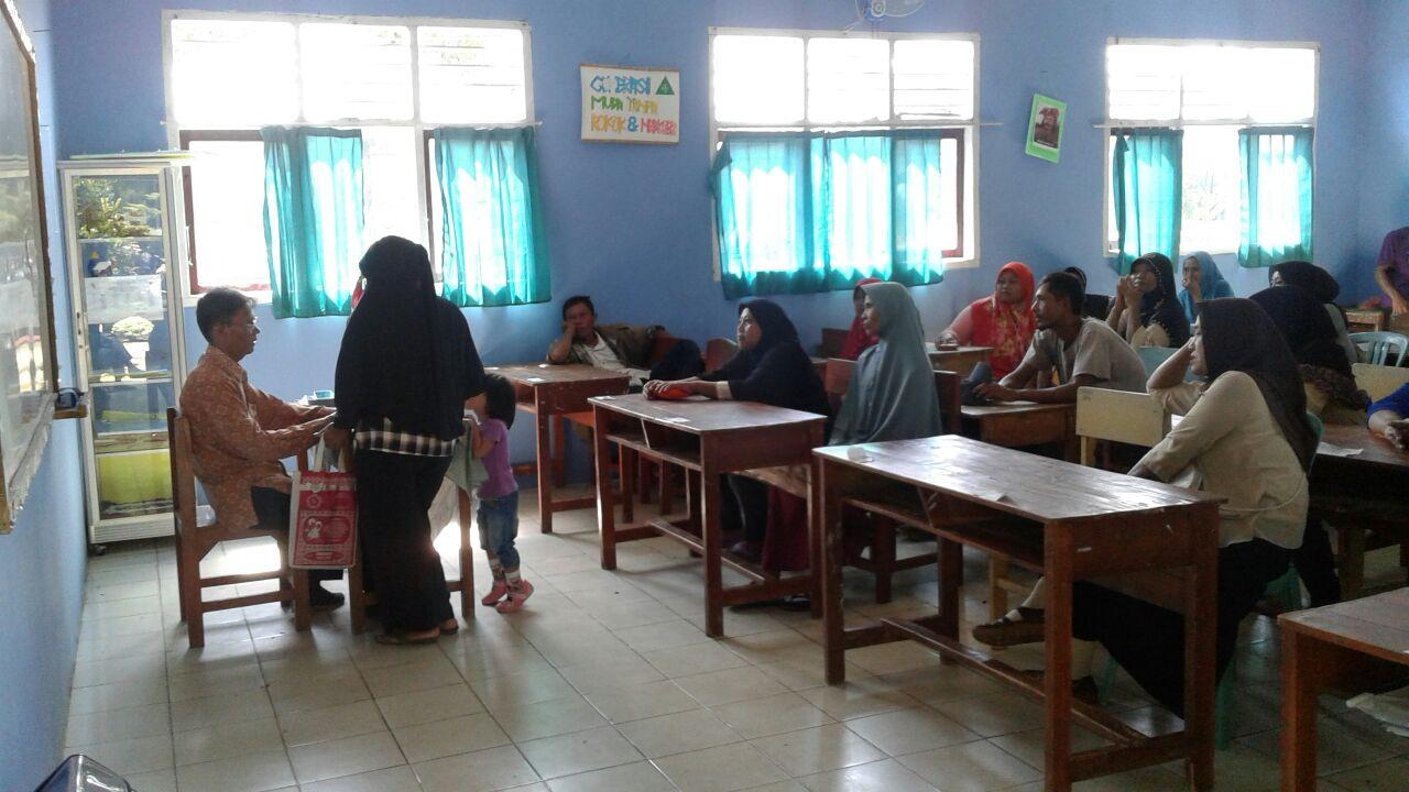 195 Wali Murid SMPN 6 Kotabumi Terima Bantuan PIP
