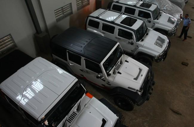 LAMPUNG POST | Koleksi Mobil Mewah Kepala Daerah Tak Sesuai dengan Gajinya