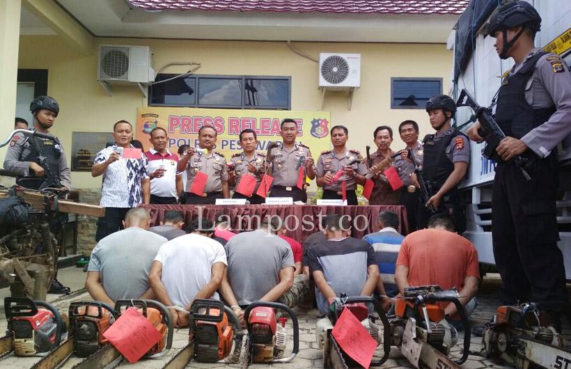 LAMPUNG POST | Register 19 Wan Abdurrahman Rusak Parah!