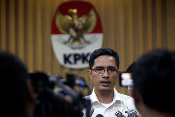 LAMPUNG POST | OTT di Lampung Tengah, KPK Amankan 14 Orang