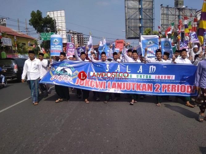 550 Santri Lampung Long March Dukung Jokowi 2 Periode