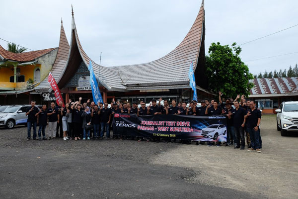 Awak Media Test Drive All New Terios di Padang