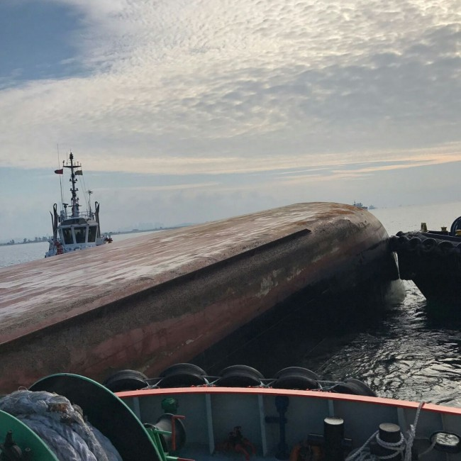 LAMPUNG POST | Dua Jasad ABK Korban Tabrakan Kapal Ditemukan di Perairan Kepri