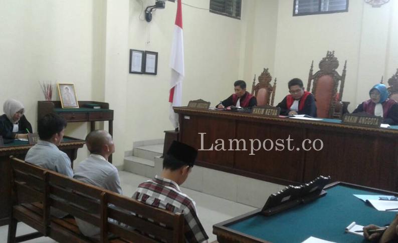 LAMPUNG POST | Tiga Terdakwa Korupsi Samsat Keliling Divonis Berbeda