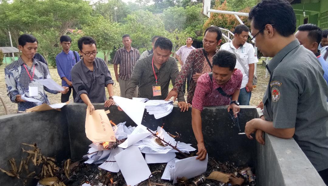 LAMPUNG POST | 166 Peserta Ikuti Tes Tertulis Seleksi Panwascam di Lampung Selatan