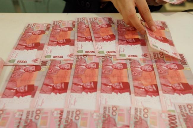 Rupiah Dibuka Melempem ke Rp13.746/USD