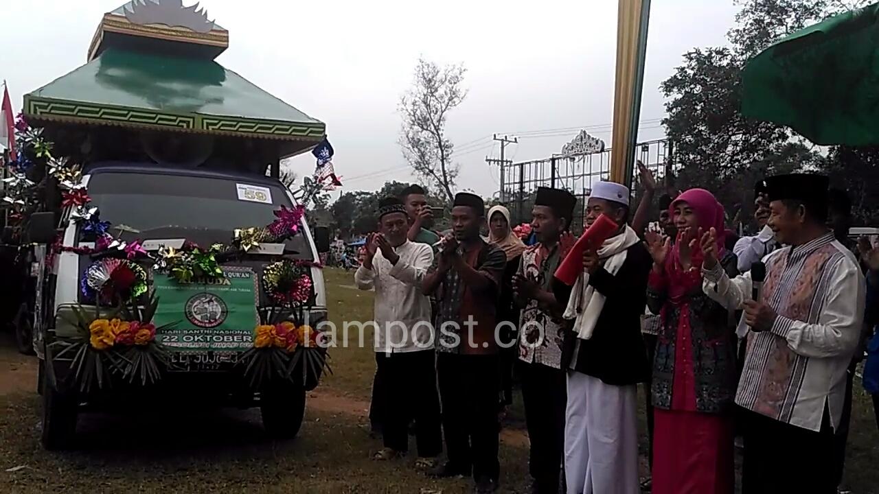 LAMPUNG POST | Fauzi Hasan Minta Santri Tidak Terlena dengan Kemeriahan Perayaan HSN