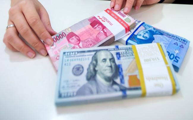LAMPUNG POST | Rupiah Terpantau Melemah ke Posisi Rp13.193/USD