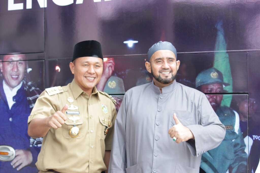 LAMPUNG POST | Malam Ini Selawat Bersama Habib Syech di Tulangbawang Barat