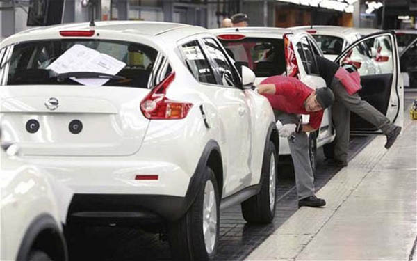 LAMPUNG POST | Produksi Mobil Nissan Tembus 150 Juta Unit