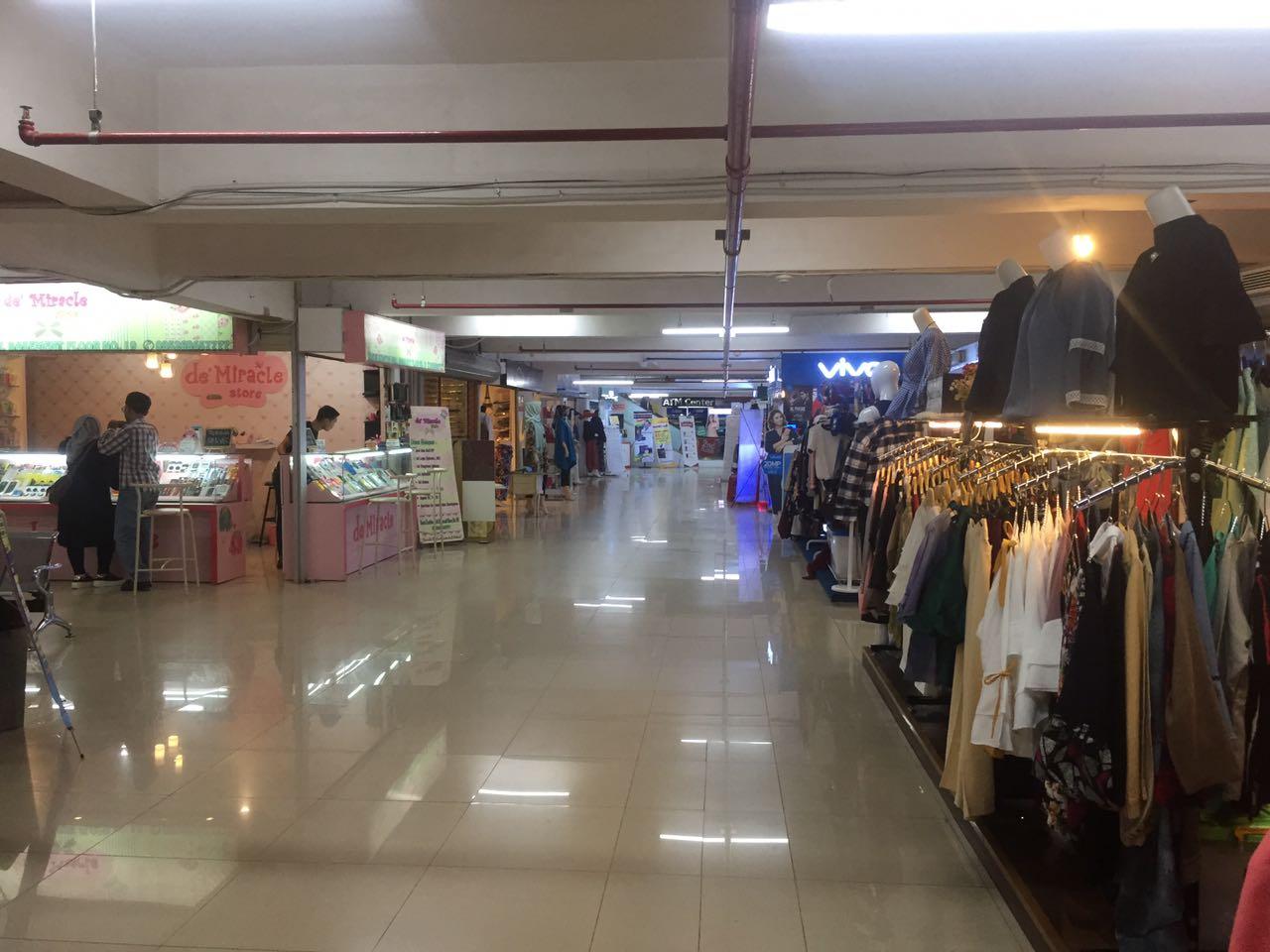 LAMPUNG POST | Sepi Pembeli, Omzet Sejumlah Pedagang Alami Penurunan