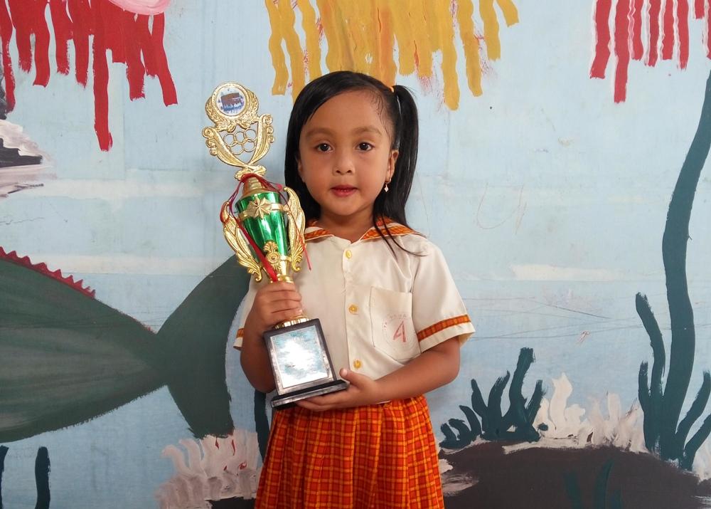 LAMPUNG POST | Nayla Ayu: Juara Peragaan Busana