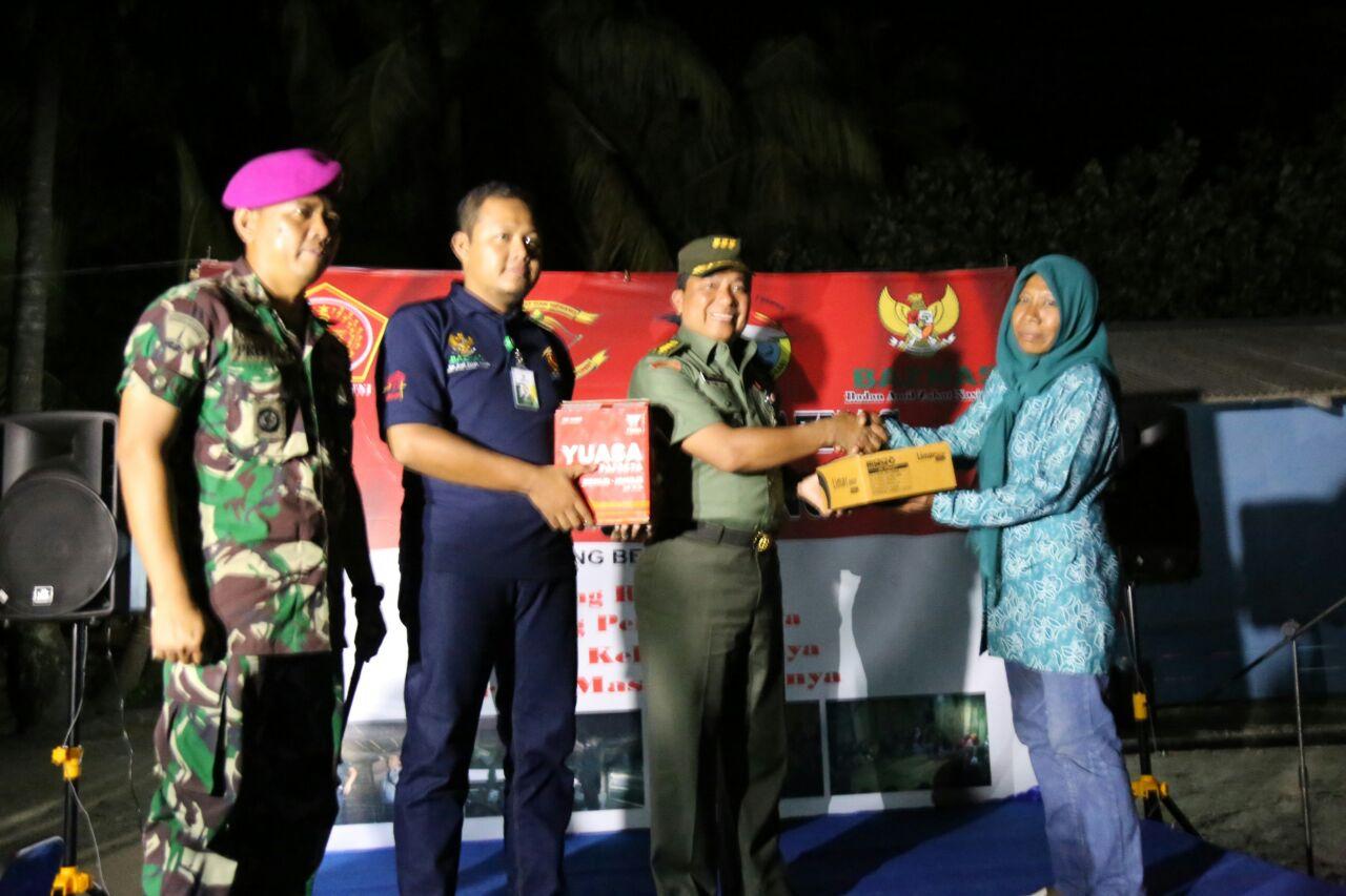 LAMPUNG POST | Yonif-7 Marinir Sasar Program Lamtera di Pulau Tegal