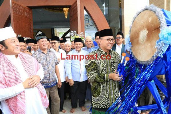 LAMPUNG POST | Siapa pun Boleh Beribadah dan Menimba Ilmu di Masjid Jami Bani Hasan