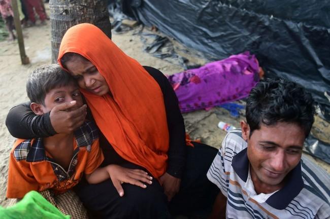 LAMPUNG POST | 1 Juta Pengungsi Rohingya 'Serbu' Bangladesh