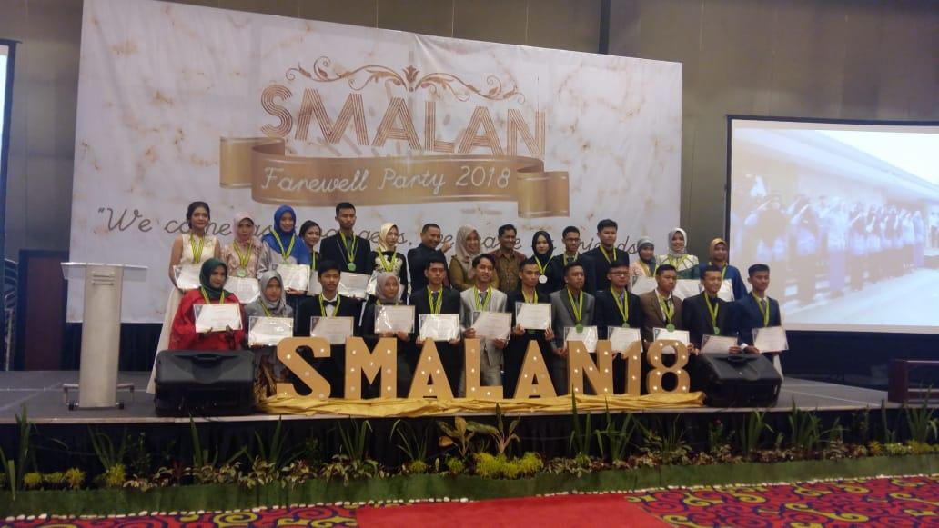 LAMPUNG POST | SMAN 9 Bandar Lampung Lepas 372 Siswa
