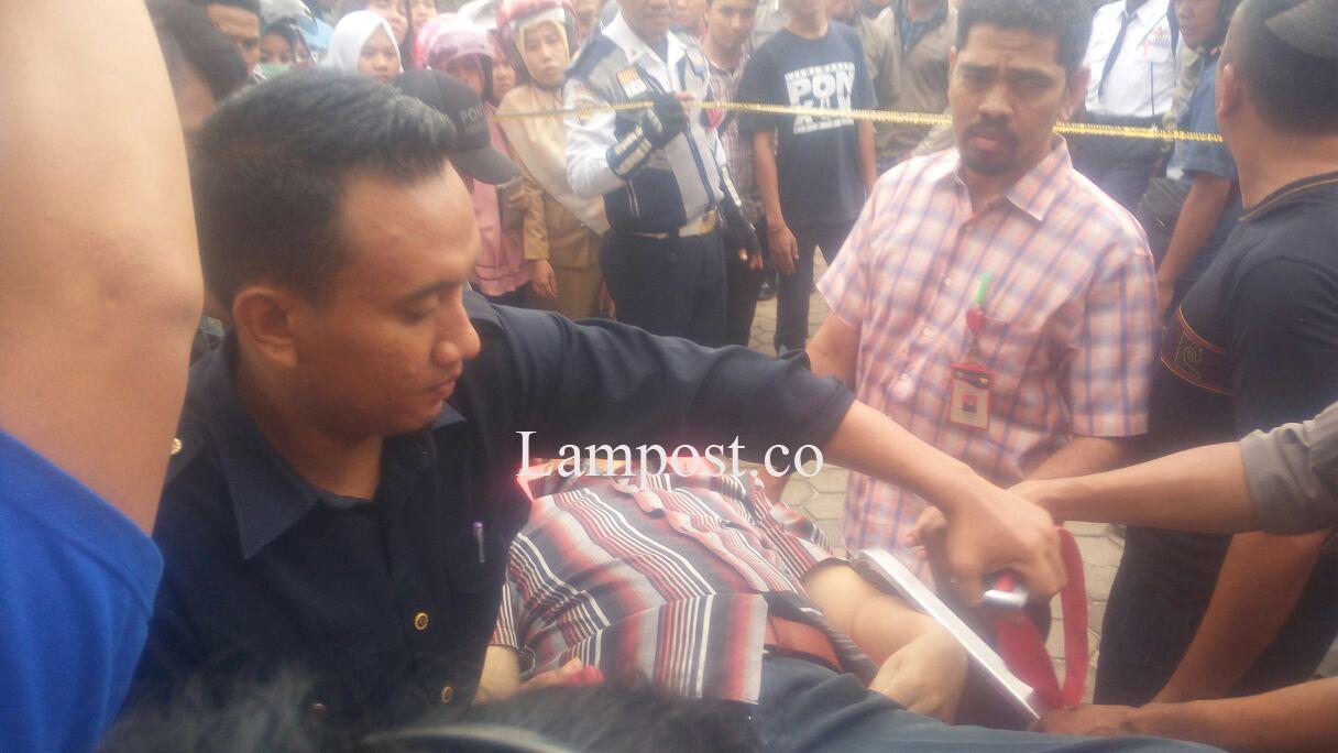 LAMPUNG POST | Diduga Serangan Jantung, Mantan Calon Wakil Wali Kota Meninggal Dalam Mobil