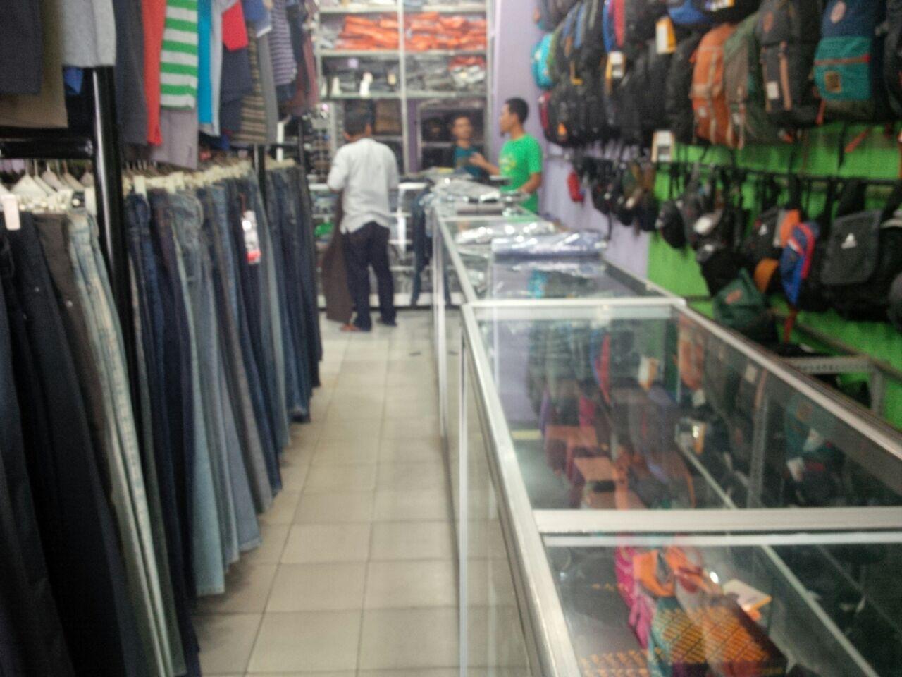 LAMPUNG POST | Distro Eiger Jual Pakaian Berkelas