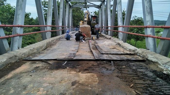 Jembatan Cakat Raya Mulai Diperbaiki