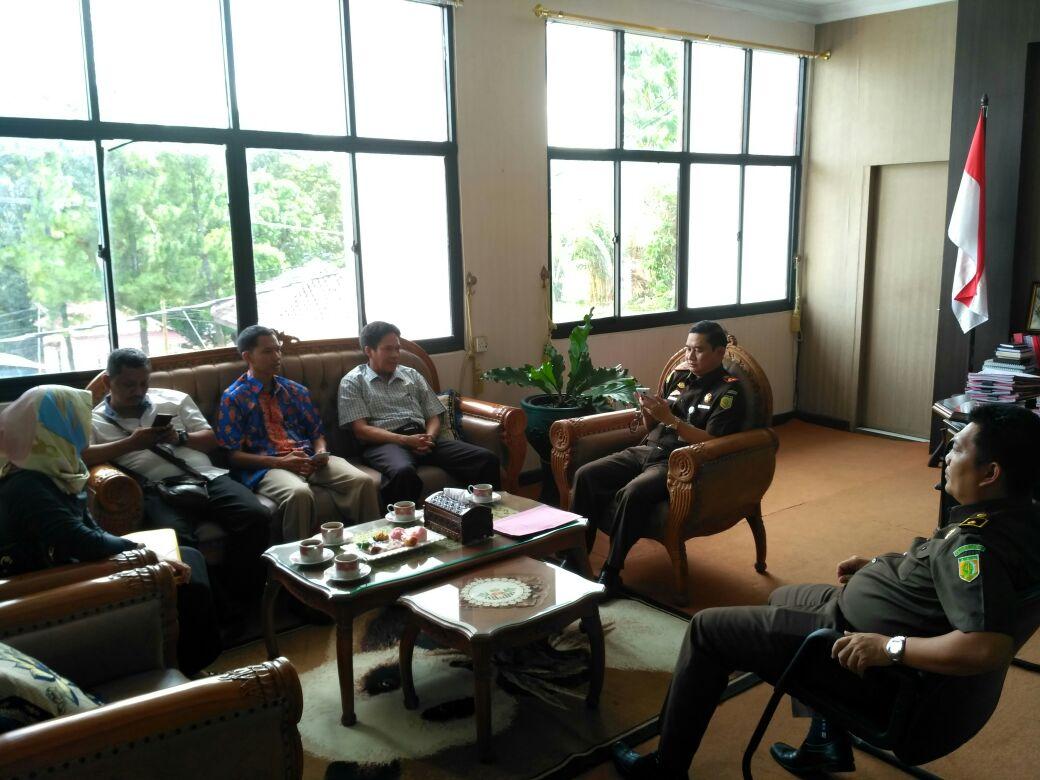 LAMPUNG POST | Hadapi Pilgub, Panwaslu Koordinasi dengan Kejari Bandar Lampung