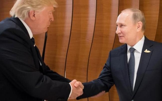 LAMPUNG POST   Trump-Putin Bertukar Pujian