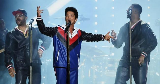 Bruno Mars Berjaya di Kategori R&B Grammy Awards 2018