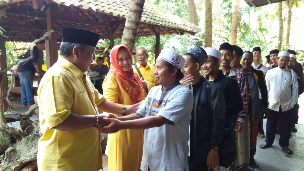 LAMPUNG POST | Arinal Berangkatkan Warga Bandar Lampung dan Lamtim Wisata Religi