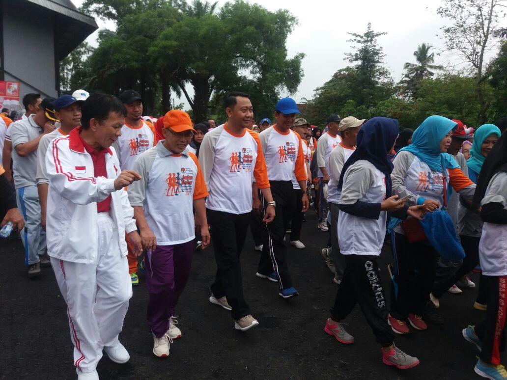 KPU Lampura Ajak Masyarakat Sadar Pemilu Lewat Jalan Sehat