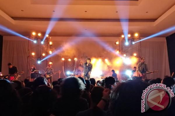 LAMPUNG POST | Melbi Luncurkan Album Ketiga, NKKBS Bagian Pertama