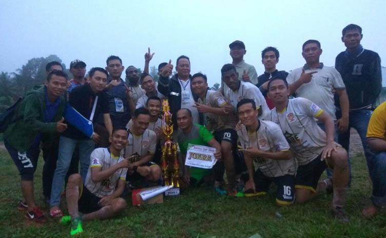 LAMPUNG POST | MKE FC Juarai Turnamen Sepak Bola Bapas Cup