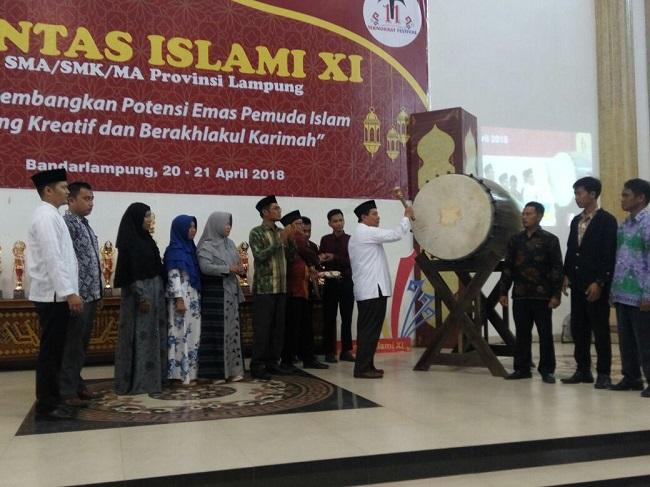 LAMPUNG POST | Pentas Islami Teknokrat Kembangkan Potensi Emas Pelajar