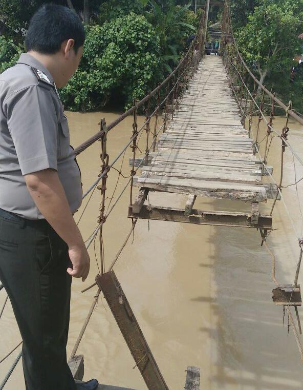 LAMPUNG POST | Abai di Jembatan Menuai Petaka