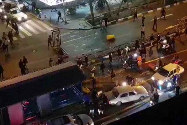 Korban Tewas Demo Iran Melonjak Jadi 21 Orang